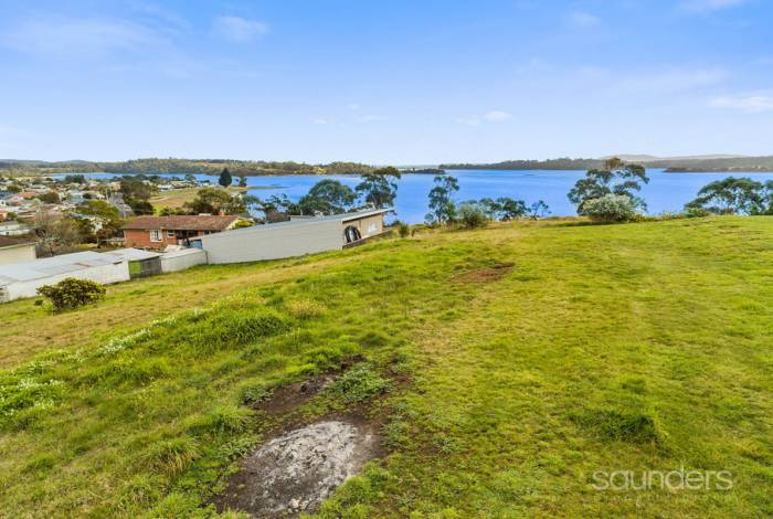 Thinking of building your dream home - stunning tamar river views